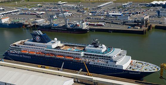 Port Boulogne Calais Port De Commerce Plaisance Et Ferry - Parking port de marseille croisière